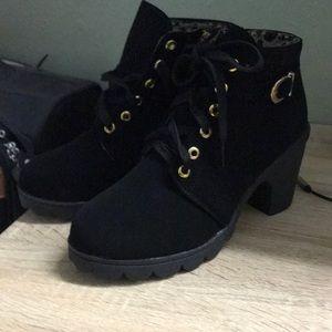 Girls boots (black/Leopard print inside)